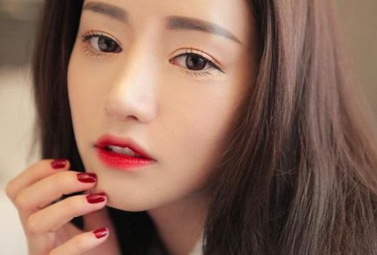 Bí quyết lựa chọn son môi phù hợp với từng màu da